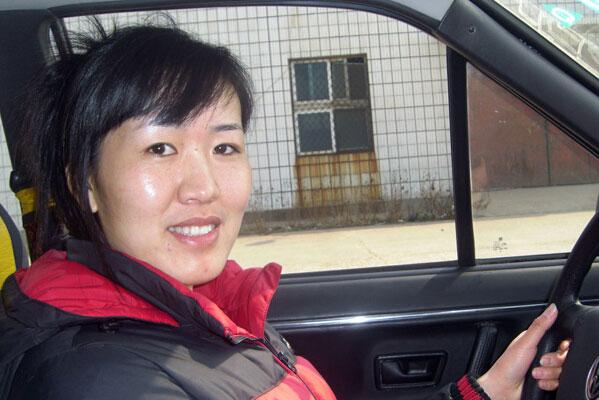 女司机安全驾车