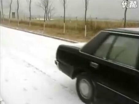 雨、雪、雾天驾驶技法