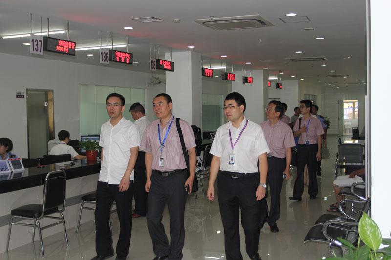 上海松江驾驶人驾驶证B照换成C照可直接去区行政服务中心二号楼办理