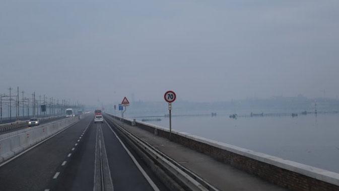 冬天在高速公路安全驾车十大注意事项