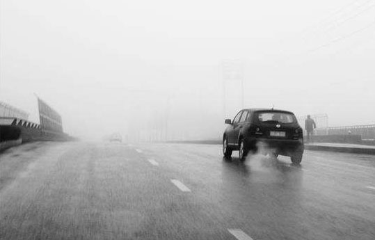 雨天高速公路对汽车驾驶速度的要求