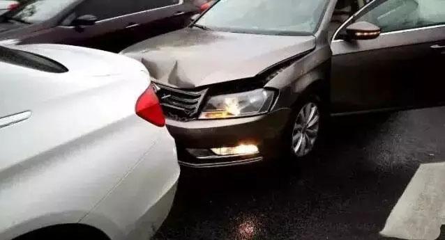 刹车灯损坏遭追尾的责任认定分析