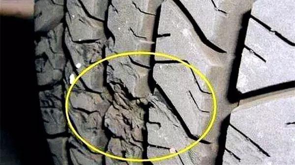 胎圈损坏变形、胎面变形、橡胶被化学品腐蚀、轮胎缺气碾压损坏等情况不可修补