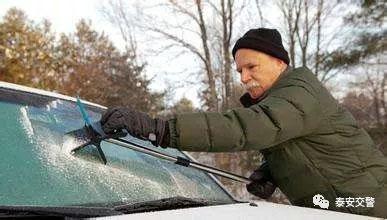 雪天行车、跟车、刹车、超车、停车注意事项