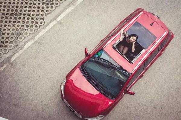 汽车有天窗和无天窗的区别-优势和劣势详解