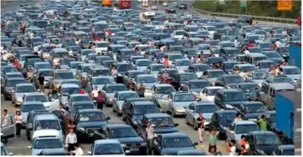国庆假期自驾旅游安全驾驶指南
