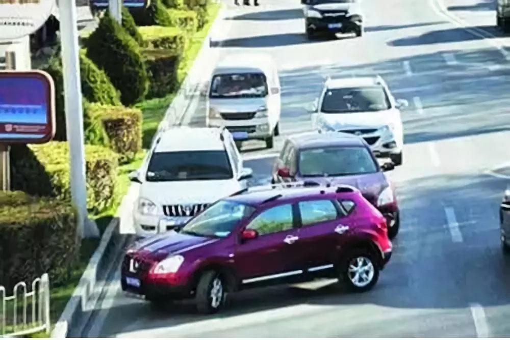 在汽车追尾中哪些情况前车应该承担责任?应该承担多少责任?