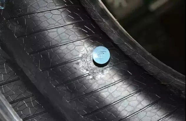 蘑菇钉补胎(内补)