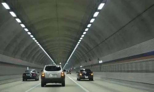 汽车隧道内安全驾驶5大注意事项